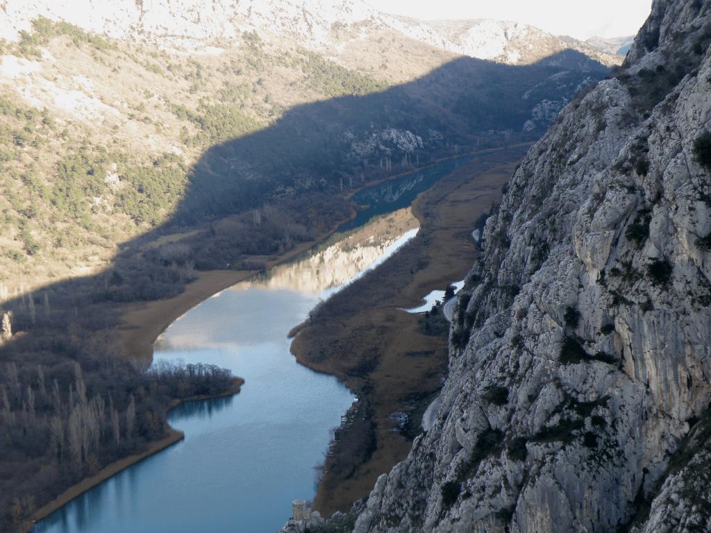 Brda se kupaju u Cetini